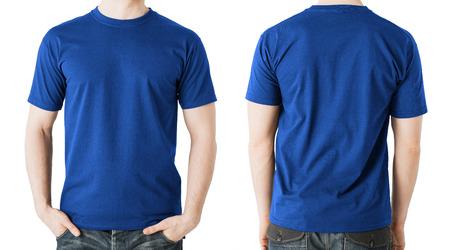 sjabloon: kleding ontwerpen concept - man in leeg blauw t-shirt, voor- en achterkant view
