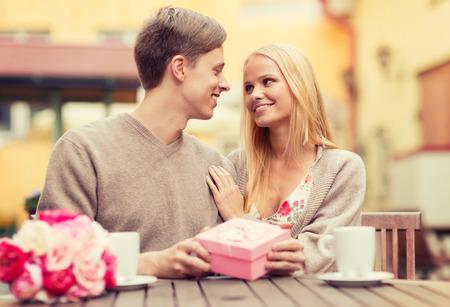 verschil tussen dating en een romantische relatie lokale dating regelnummers