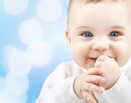 子、人と幸福の概念 - かわいい赤ちゃん 写真素材 - 27990253
