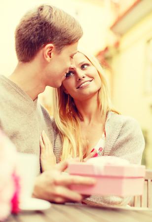 Is dating een romantische relatie