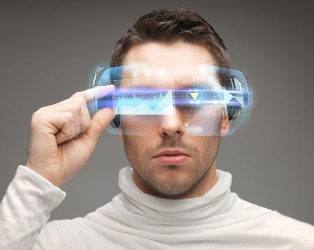 Futuro, la tecnología y la gente concepto - hombre de las gafas futuristas Foto de archivo - 30613849