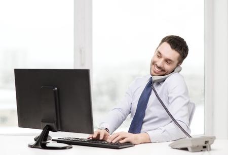 사무실, 비즈니스, 교육, 기술 및 인터넷 개념 - 웃는 사업가 또는 컴퓨터와 전화 학생 스톡 콘텐츠 - 37055542