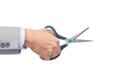 tijeras: negocio, la gente, y la oficina concepto - cerca de las tijeras de negocios la celebraci�n de mano