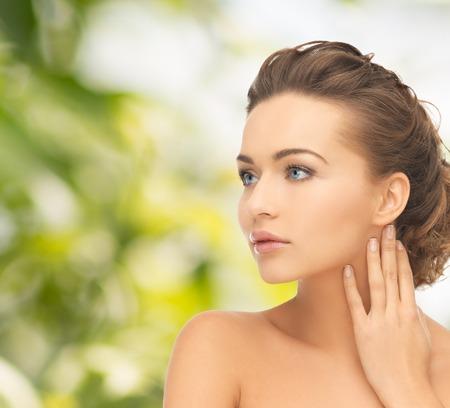 健康と美容のコンセプト - 顔と髪型と美しい女性の手 写真素材