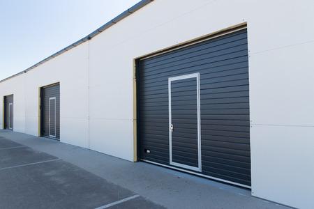 le stockage, la structure du bâtiment et de l'architecture concept - garage ou un entrepôt extérieur