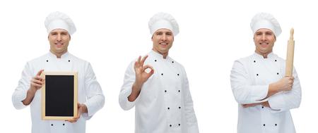 koken, beroep, reclame en mensen concept - gelukkig mannelijke chef-kok of bakker in toque bedrijf leeg menu raad, deegrol en het tonen van ok handteken