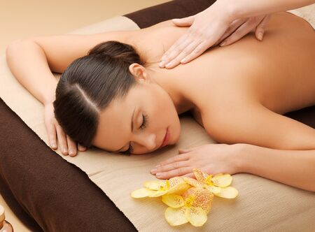 picture of calm beautiful woman in massage salon Banque d'images