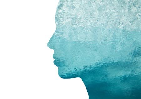 美しさ、自然、旅行、エコロジー コンセプト - ダブル露出効果を持つ海の水を女性プロファイルの肖像画 写真素材