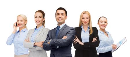 Unternehmen, Teamarbeit, Büro und Menschen Konzept - Gruppe von Geschäftsleuten gerne Standard-Bild - 62248293