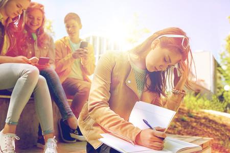student girl suffering of classmates mockery 版權商用圖片 - 76687898