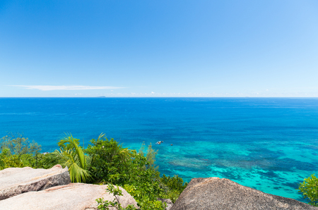 travel, seascape and nature concept - view to indian ocean from seychelles island Zdjęcie Seryjne
