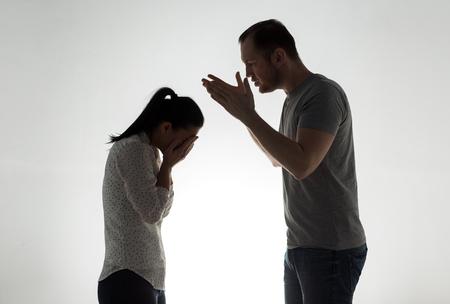 Enojado, pareja, teniendo, argumento