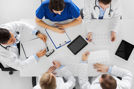 group of doctors with cardiograms at hospital Stock Photo - 90575468
