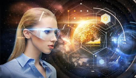공간 이상의 가상 현실 안경을 입은 여성