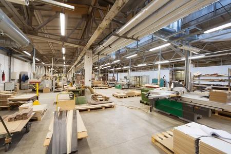 Houtbewerking fabriek workshop Stockfoto - 98118353