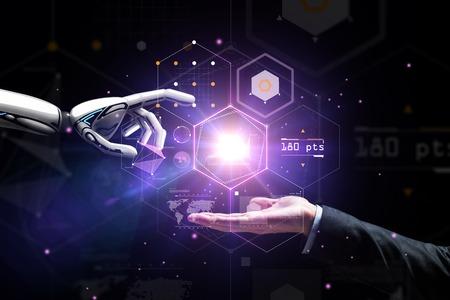 robot et main humaine sur projection virtuelle Banque d'images