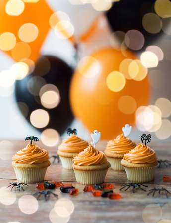 halloween party cupcakes or muffins on table Stok Fotoğraf