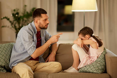 upset or feeling guilty girl and father at home Zdjęcie Seryjne - 115381680