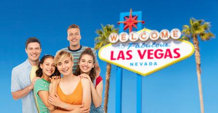 happy friends over las vegas sign background Imagens - 119079529