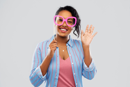 happy african american woman with big glasses Stock fotó