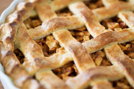 close up of apple pie in baking mold Stockfoto