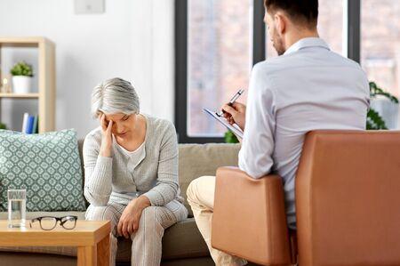 sad senior woman patient and psychologist Reklamní fotografie