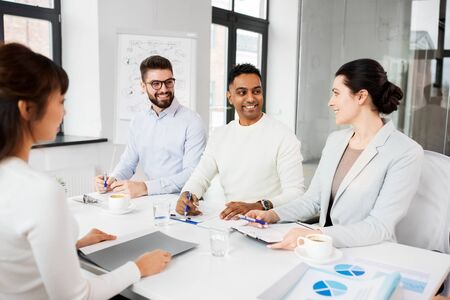 recruiters having job interview with employee Stock Photo - 129090022
