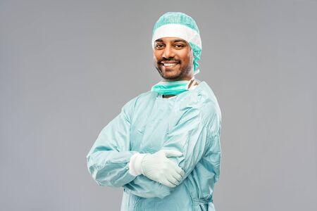indyjski mężczyzna lekarz lub chirurg w odzieży ochronnej Zdjęcie Seryjne
