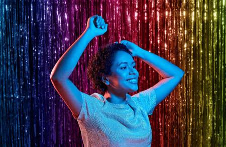 african american woman dancing at party Foto de archivo