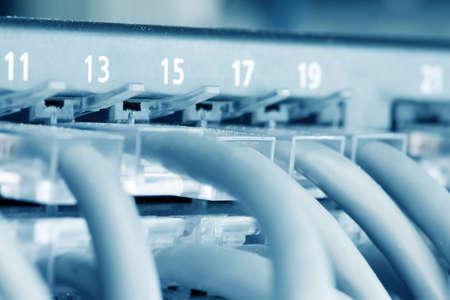 conectores: Eje con Ethernet Cat 5 Conectores  Foto de archivo