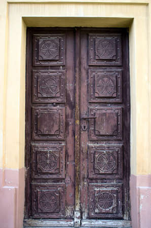 keystone: Old iron door with key-stone