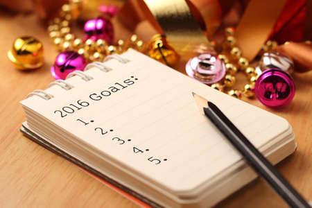 nouvel an: Les objectifs de la nouvelle ann�e avec des d�corations color�es. Les objectifs du Nouvel An sont des r�solutions ou des promesses que font les gens pour la nouvelle ann�e pour faire leur prochaine ann�e mieux en quelque sorte.