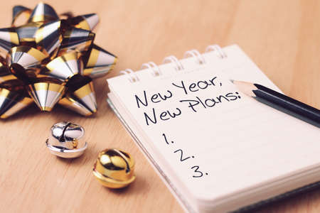 New year new plan with decoration. Discover how setting goals can bring more happiness in your life. Stok Fotoğraf - 91584655