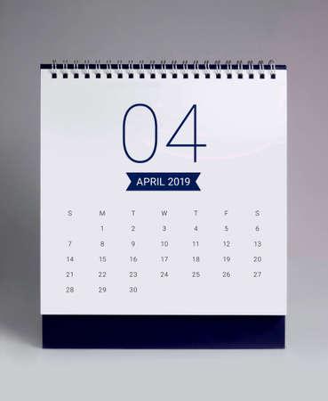 Simple desk calendar for April 2019 免版税图像