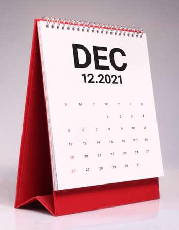 Simple desk calendar for December 2021 版權商用圖片 - 159311555