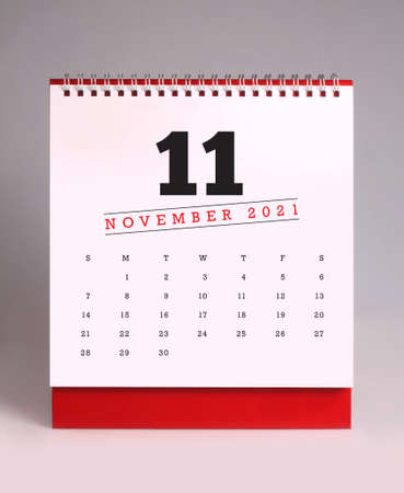 Simple desk calendar for November 2021 版權商用圖片 - 159311678