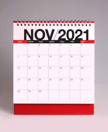 Simple desk calendar for November 2021 版權商用圖片 - 159311694