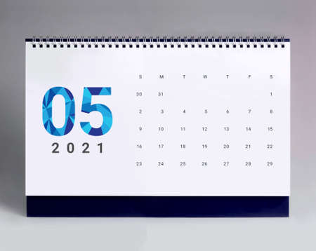 Simple desk calendar for May 2021 版權商用圖片 - 159311806