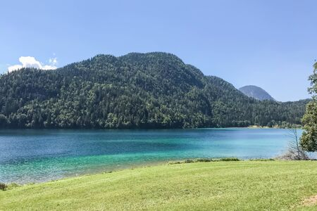 Transparent Clear blue mountain lake in Austria, Tyrol, relaxing place Archivio Fotografico