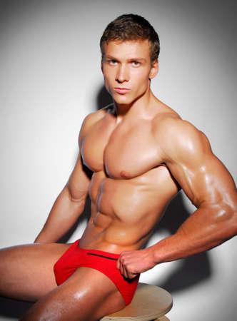 Strong et l'excellence du corps masculin nu. Banque d'images - 3714771