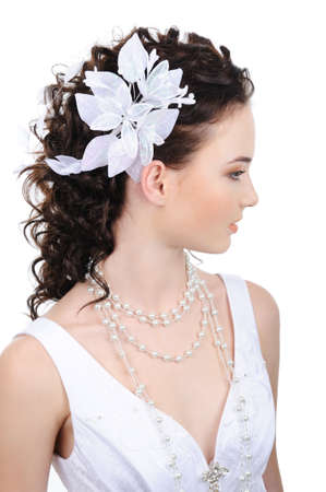 artificial hair: Vista de perfil muy moderno con peinado novia Foto de archivo