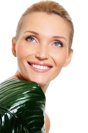 dentudo: Happy hermosa mujer riendo con sonrisa dentona contento