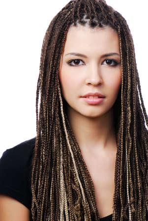 dreadlocks: Retrato de una joven mujer bonita con dreadlocks - en blanco