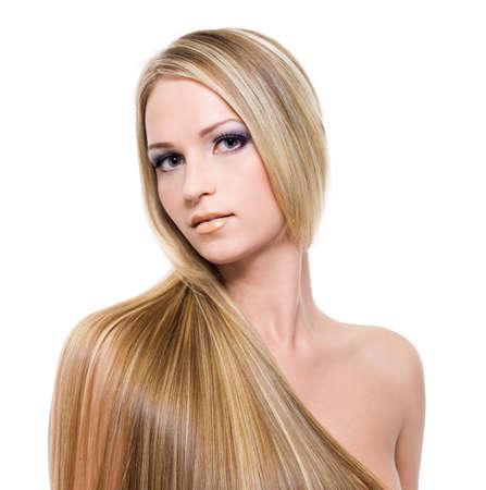 femme blonde: Jeune jolie femme avec beaux cheveux blonds