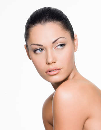 visage femme profil: Portrait d'une femme avec le beau visage regardant côte isolé sur blanc Banque d'images