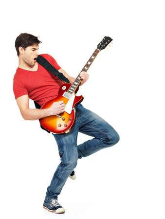 Junger Gitarrist spielt auf der elektrischen Gitarre mit hellen Emotionen, isolatade auf weißem Hintergrund