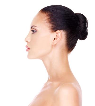 visage profil: Profil visage de jeune femme - isolé sur fond blanc