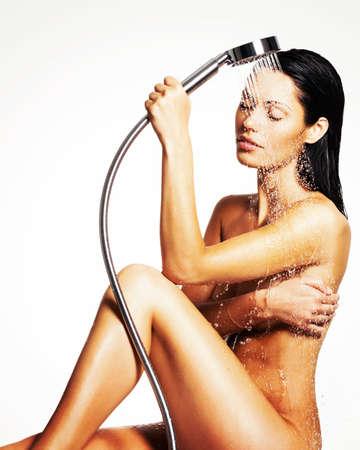 junge nackte mädchen: Foto einer sexy schöne Frau in der Dusche waschen Körper