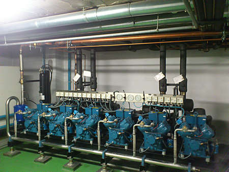 Refrigeration compressors joined in group of 6 machines