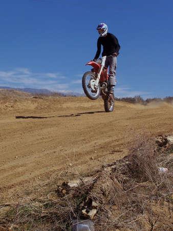dirt bike: Dirt bike wheelie